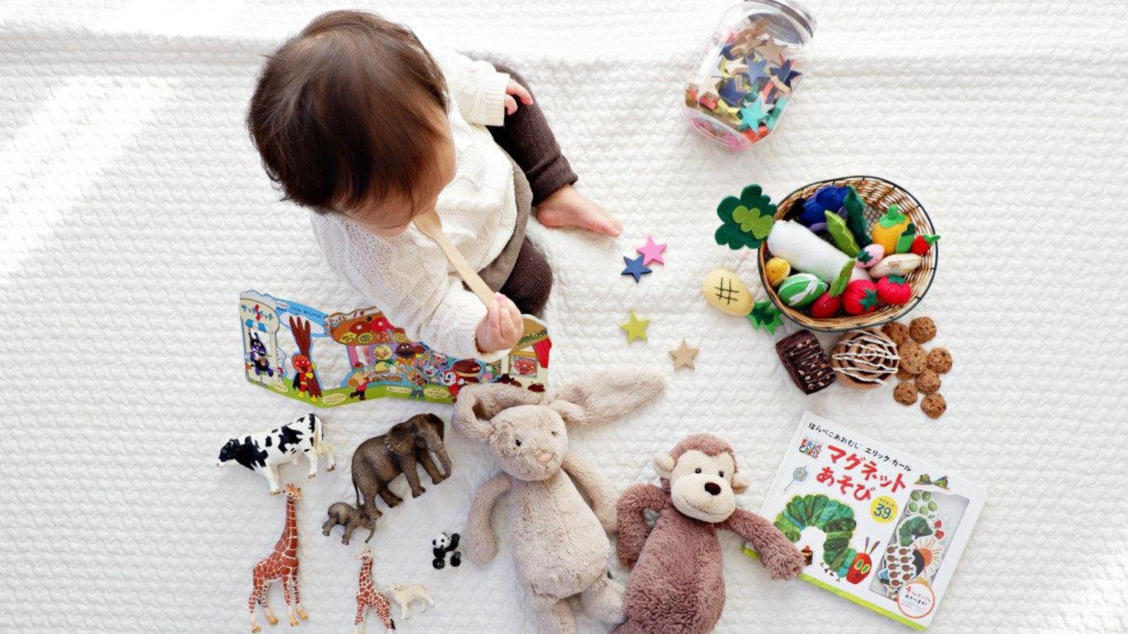 kind op tapijt